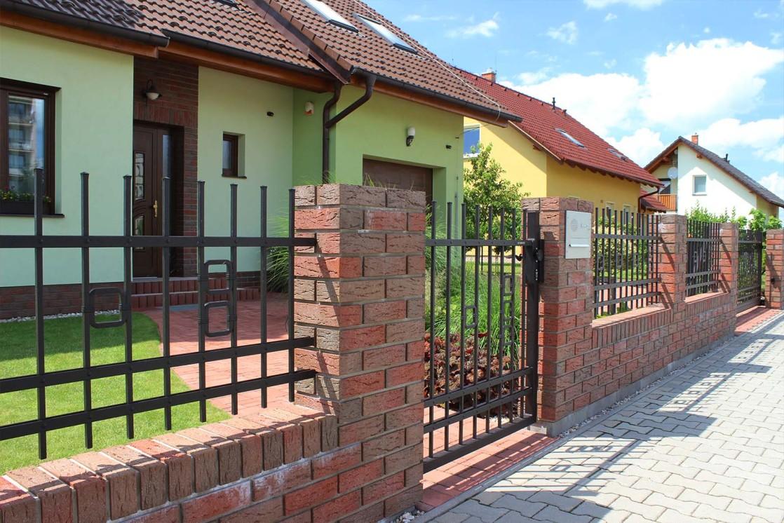 Kovaná vchodová branka