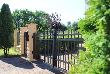Otočná brána dvoukřídlá